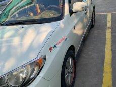 Bán Hyundai Avante 1.6 MT 2011, màu trắng, xe đẹp, máy êm