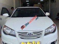 Cần bán lại xe Hyundai Avante 1.6AT đời 2013, màu trắng giá cạnh tranh