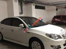Bán gấp Hyundai Avante MT năm 2014, màu trắng, giá 400tr