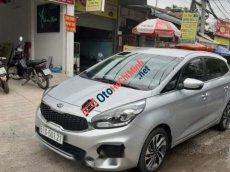 Cần bán lại xe Kia Rondo sx 2018, màu bạc số tự động