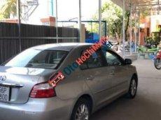 Cần bán lại xe Toyota Vios E đời 2010, màu bạc đã đi 370.000km, giá cạnh tranh