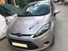 Cần bán xe Ford Fiesta 2011 số tự động, màu ghi bạc, tên tư nhân chính chủ