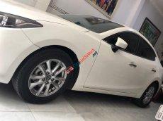 Bán Mazda 3 AT đời 2016, màu trắng xe gia đình