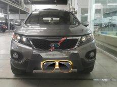 Cần bán Kia Sorento 2.4AT đời 2010, màu xám, xe nhập, 536tr