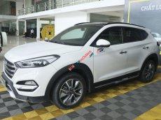 Cần bán xe Hyundai Tucson 2.0AT 2WD sản xuất 2018, màu trắng