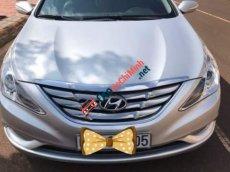 Cần bán Hyundai Sonata sản xuất 2010, màu bạc, đăng kí lần đầu 2011