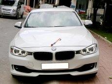 Bán xe BMW 3 Series 320i năm 2012, màu trắng, nhập khẩu biển TP. HCM