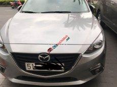 Cần bán Mazda 3 1.5 2016, màu bạc, xe gia đình