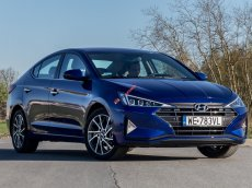 Bán xe Hyundai Elantra 2.0AT 2020, màu xanh dương, xe giao ngay