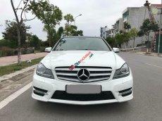 Bán Mercedes C300 AMG 2013 tự động full màu trắng đi kỹ