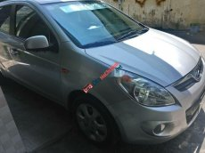 Bán xe Hyundai i20 sản xuất 2011, màu bạc, nhập khẩu, giá tốt