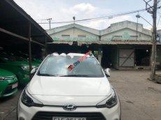 Cần bán Hyundai i20 Active sản xuất năm 2015, màu trắng, nhập khẩu