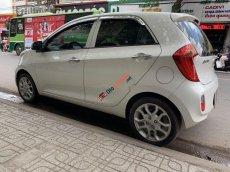Cần bán Kia Picanto sản xuất năm 2013, màu trắng, giá tốt