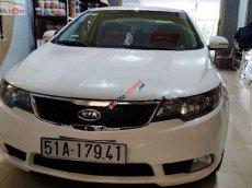 Cần bán Kia Forte đời 2011, màu trắng, số sàn