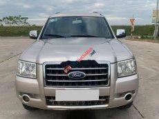 Cần bán gấp Ford Everest AT 2009 còn mới, giá tốt