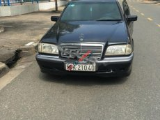 Bán Mercedes đời 2000, màu đen xe còn mới