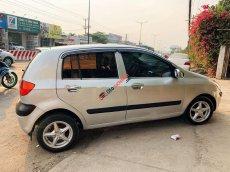 Cần bán xe Hyundai Getz 1.1MT sản xuất 2009, màu bạc số sàn