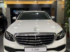 E200 model 2020 trưng bày sang tên chỉ 2% trước bạ