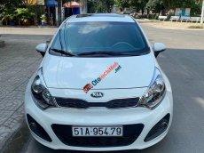Bán xe Kia Rio năm sản xuất 2015, màu trắng, nhập khẩu nguyên chiếc số tự động