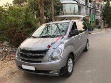 Cần bán lại xe Hyundai Starex đời 2016, màu bạc số sàn giá cạnh tranh