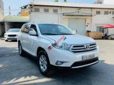 Cần bán gấp Toyota Highlander đời 2011, màu trắng, xe nhập