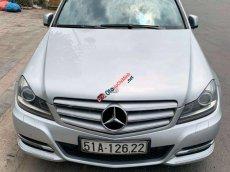 Cần bán lại xe Mercedes sản xuất 2012, màu bạc đã đi 110.000km