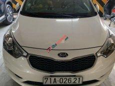 Cần bán lại xe Kia K3 sản xuất 2016, màu trắng xe gia đình, 495tr