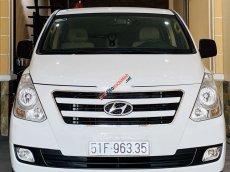 Chính chủ bán xe cũ Hyundai Grand Starex đời 2016, màu trắng