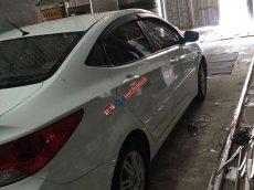 Cần bán gấp Hyundai Accent MT sản xuất năm 2011, màu trắng, nhập khẩu số sàn, giá tốt