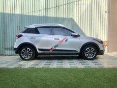 Bán Hyundai i20 Active năm sản xuất 2015, màu bạc, xe gia đình