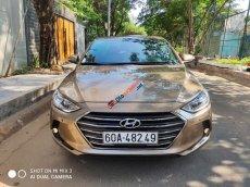 Cần bán lại xe Hyundai Elantra 2.0L năm 2016, màu nâu vàng, 579 triệu