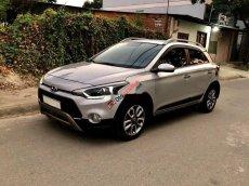 Bán Hyundai i20 Active 2015, màu bạc, số tự động