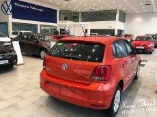 Bán xe Volkswagen Polo E 2018, màu đỏ, xe nhập khuyến mãi 100% phí trước bạ