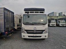 Xe tải nissan thùng mui bạc tải 3T5 Thùng 4.3 mét. Hỗ trở trả góp 80%