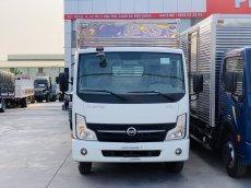 Xe tải NISSAN thùng kín 1T9 trả trước 120tr giao xe ngay.Hỗ trợ trả góp lên đến 80%