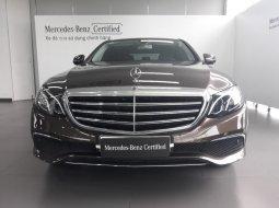 Bán xe Mercedes E200 2017 cũ, màu nâu, mới 100% CHÍNH HÃNG