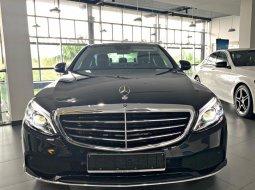 Cần bán xe Mercedes C200 Exclusive NEW MODEL - Xe Giao Ngay - Giá Tốt nhất - LH:0902.342.319