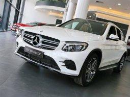 Bán Mercedes GLC 300 AMG 4MATIC 2019 - Xe giao ngay, ưu đãi giá tốt nhất toàn quốc - LH: 0902 342 319