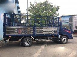 Xe tải thùng 2T4 thùng 3m7 giá tốt 300tr. Hỗ trả góp 70%