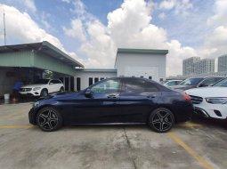 Cần bán gấp Mercedes C300 AMG đời 2019, màu xanh lam