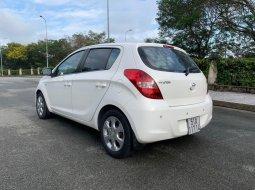 Bán ô tô Hyundai i20 đời 2011, màu trắng, chính chủ giá cạnh tranh