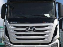 Cần bán Hyundai đầu kéo Xcient  màu trắng, nhập khẩu giá rẻ