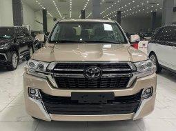 Duy nhất 1 xe màu vàng Toyota Land Cruiser 5.7 VXS 2021 mới 100%, xe giao ngay