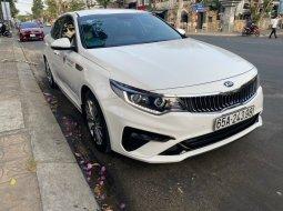 Bán xe Kia Optima 2.0 sx 2020 màu trắng.