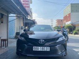 Bán xe Camry 2.5Q nhập Thái sx 2020 lướt 3.000km.
